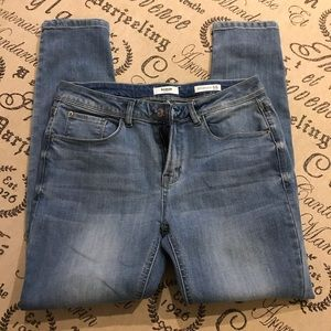 Kensie jeans size 8/29 ankle mid rise